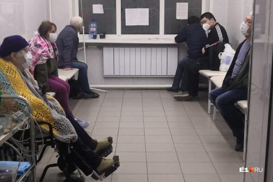 Евгений Куйвашев рассказал о правилах перевозки пациентов на КТ