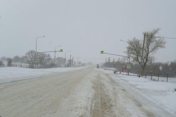 Трассы в Волгоградской области заметает снегом