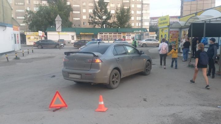 В Ленинском районе водитель Mitsubishi наехал на 4-летнюю девочку — у ребенка травмы ног