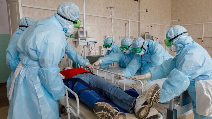 Волгоградским медикам частных клиник выплатят до 80 тысяч рублей за борьбу с COVID-19: постановление