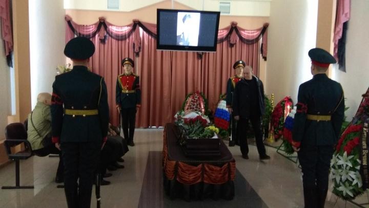 Вечного полета: в Волгограде простились с подполковником Сергеем Забедновым