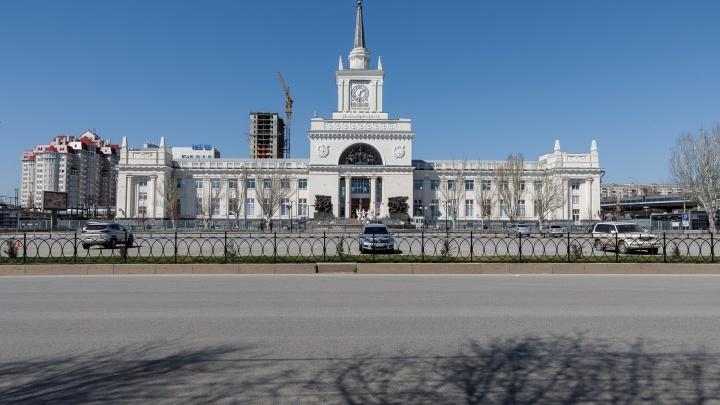 Масочный режим, вспышка в Жирновске и Котельниково, тайное возвращение депутата: итоги прошедшей недели