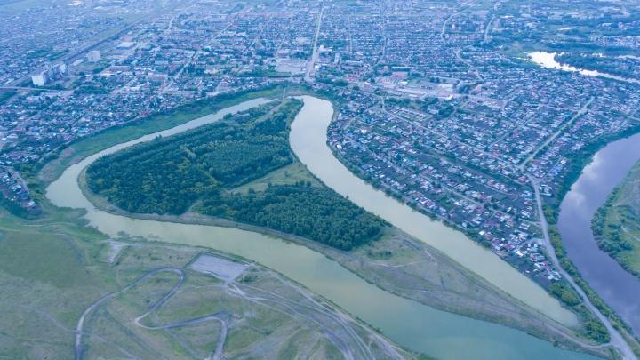 В Калачинске решили за 100миллионов благоустроить парк на озере— смотрим, что там появится