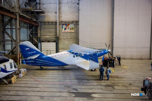 Подобные самолеты закупили на Алтае (на снимке — модификация АН-2, судно сфотографировали в Новосибирске)