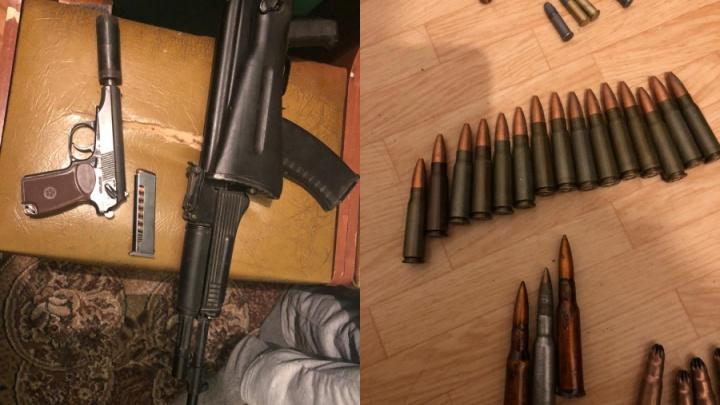У норильчанина дома нашли арсенал боевого оружия: переделанные пистолеты, гранату и патроны