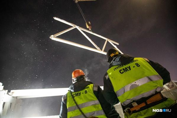 Строители монтируют перекрытия на новой станции метро «Спортивная»