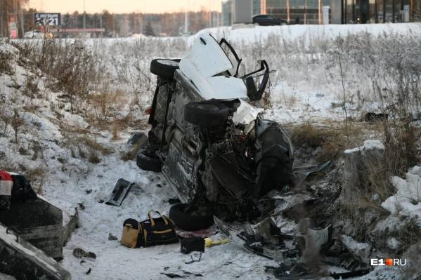 В ДТП на Кольцовском тракте погибли женщина и ребенок