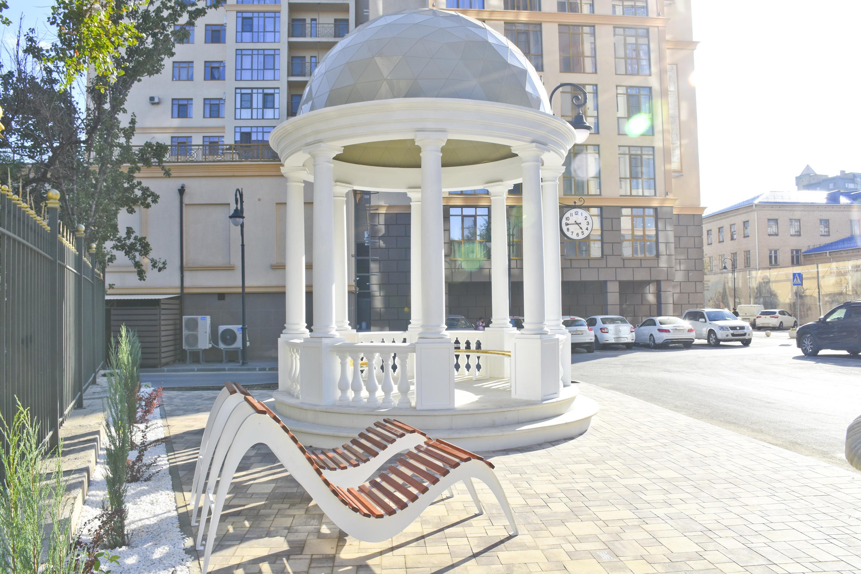 Копия знаменитой волгоградской ротонды с набережной украшает двор жилого квартала «Арбат»