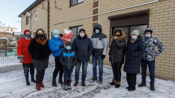 Узаконить нельзя снести: в Волгограде суд на Новый год сделал бездомными семьи с детьми и инвалидами