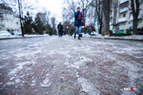 В Ростове пытаются облегчить жизнь пешеходам в непогоду
