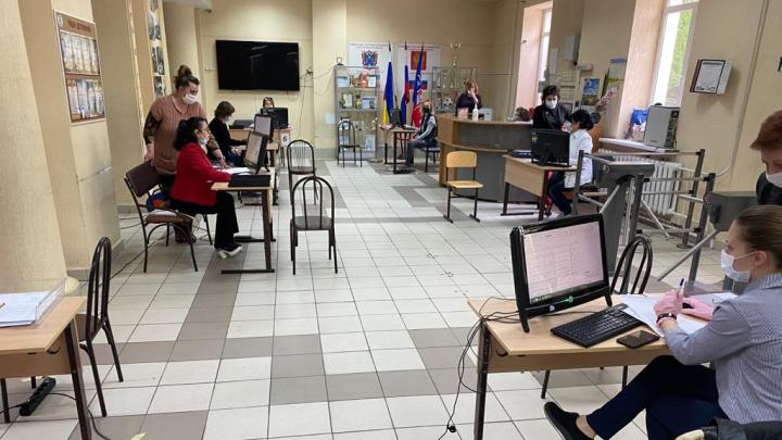 В Ростове усилили работу пунктов выдачи спецпропусков