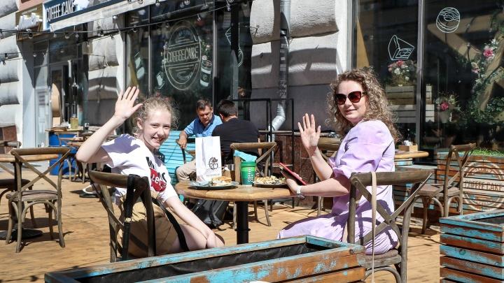 Как в Нижнем Новгороде открывают кафе: смотрим на первых посетителей и счастливых рестораторов