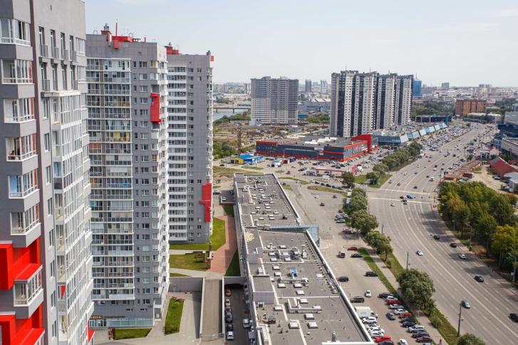 Современный жилой комплекс расположен в деловом центре Челябинска