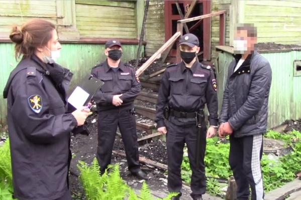После задержания подозреваемого держат под стражей