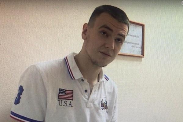 Артур Газизов совсем недавно отметил свое 24-летие