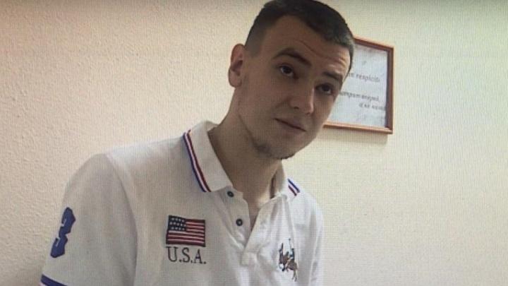 Появилось видео наезда уфимского гонщика Артура Газизова на сотрудника ГИБДД