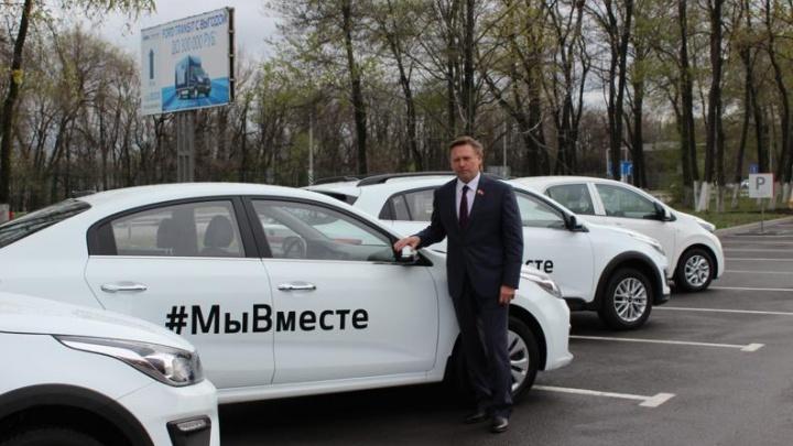 Ростовский бизнесмен передаст врачам пять автомобилей