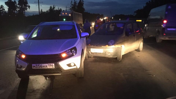 Пьяный водитель устроил массовое ДТП в Екатеринбурге и скрылся