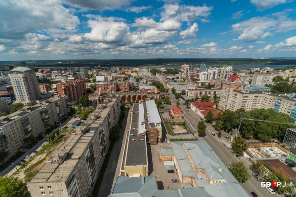 Организаций, работающих офлайн, в Перми должно стать больше