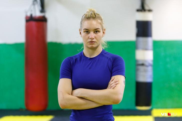 «Шесть бойцов отказались с ней драться»: 21-летняя волгоградка сразится с профессионалами UFC