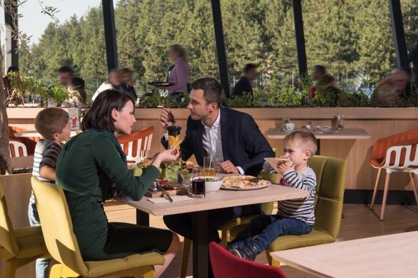 Наконец-то можно забыть про готовку и сводить семью в ресторан!