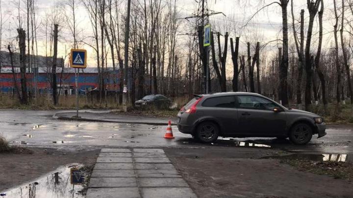 В Северодвинске автомобиль сбил пешехода на «зебре»: видео ДТП попало в Сеть