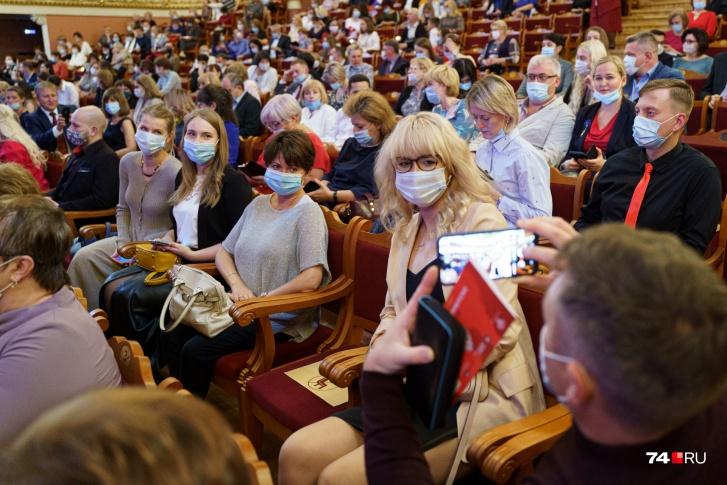 «Никто не хочет вникать, что артист — не обычный человек»: худрук филармонии — о бойкоте Меладзе новогодним огонькам