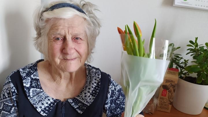 В Екатеринбурге умерла бабушка с положительным тестом на COVID-19. Вся ее семья в больнице