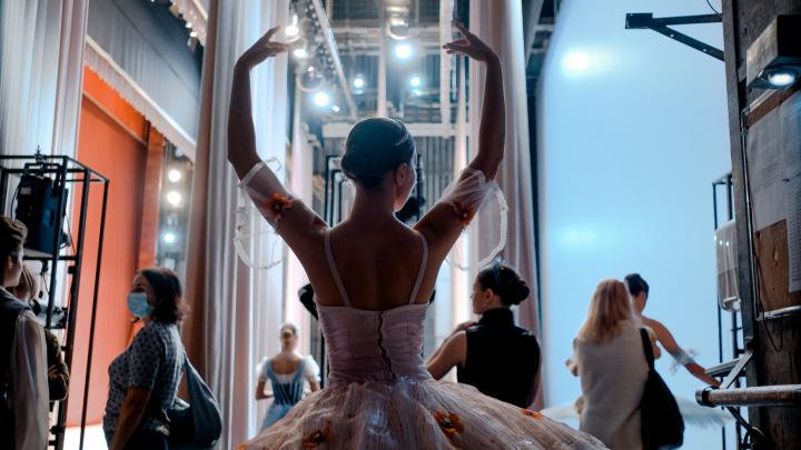 В Перми прошел конкурс балета «Арабеск»: яркие фото на сцене и за кулисами