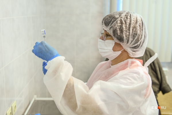 Прививки от гриппа начнут делать свердловчанам в ближайшее время