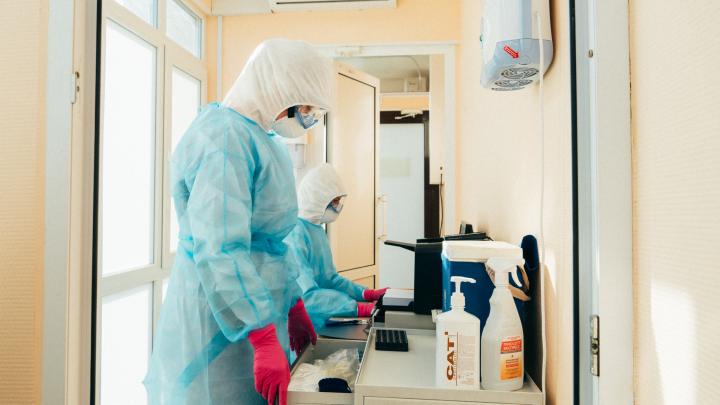 В Омске планируют реформировать лаборатории — под сокращение попадают более тысячи омичей