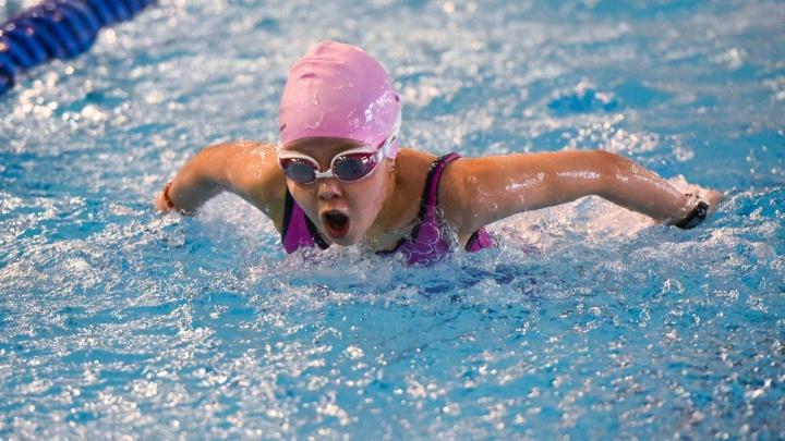 Определены победители Первенства Пермского края по плаванию «Веселый дельфин»
