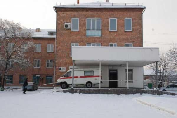 Главврача минусинской больницы заподозрили в превышении полномочий из-за принятия некачественного ремонта