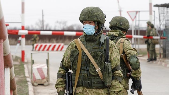 Под Волгоградом военные, полиция и МЧС учатся бороться с коронавирусом