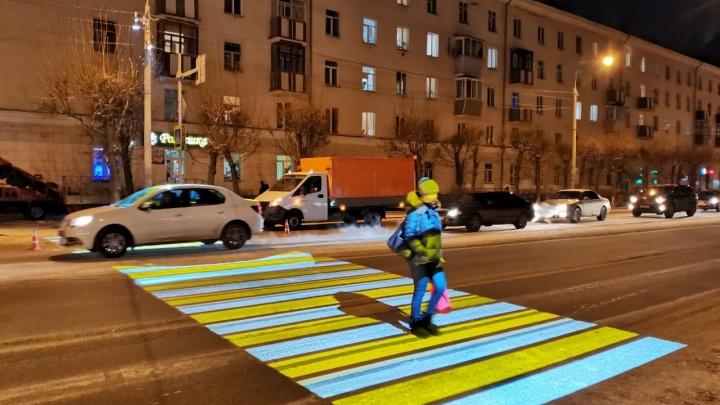 «Отличная находка для вороватых мэров»: урбанист Варламов раскритиковал проекционный переход в Красноярске