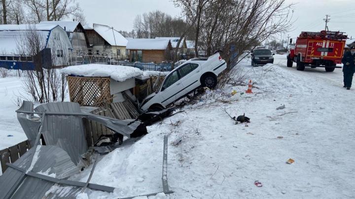 Под Новосибирском 22-летняя девушка погибла в ДТП