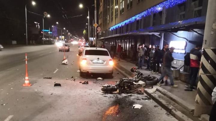 В Омске насмерть разбился 26-летний мотоциклист на спортбайке