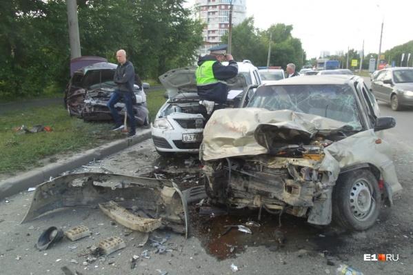 Виновник аварии не справился с управлением