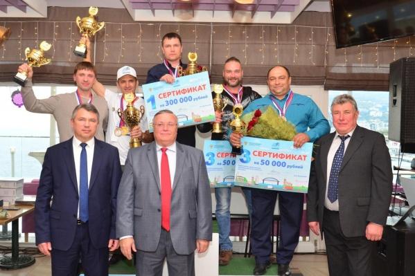 Сергей Андрианов получил сертификат на 300 тысяч рублей