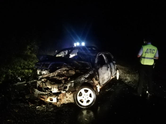 Машины загорелись от удара, ДТП стоило жизни двум мужчинам