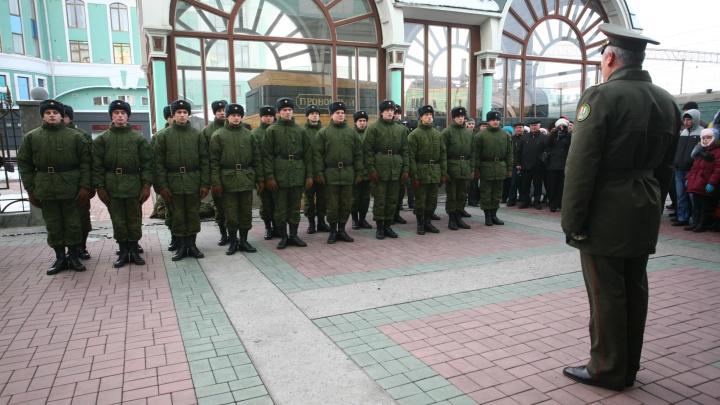 Выдадут по три маски и обработают транспорт: новосибирские призывники начнут службу в конце мая