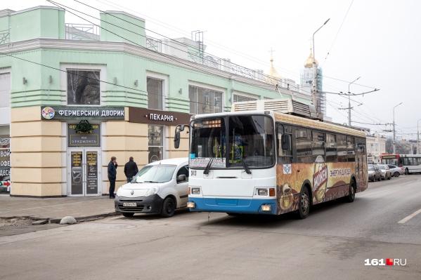Один троллейбус будет ходить с ЦР на Военвед, а еще два — на Каменку