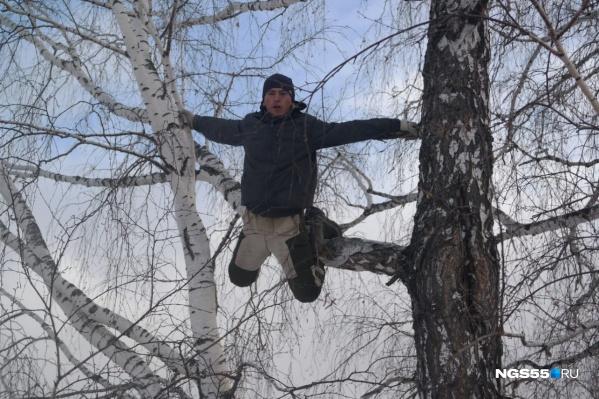 Несмотря на то что за историей блогера из омской глубинки наблюдала вся Россия, интернет в его селе так и не появится