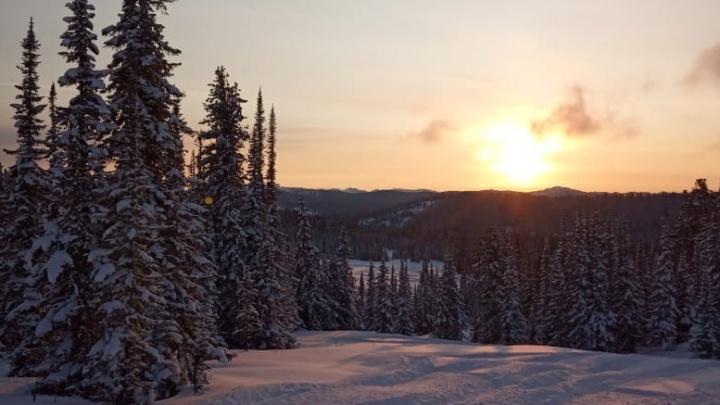 Снега по колено: где в Сибири уже стартовал горнолыжный сезон