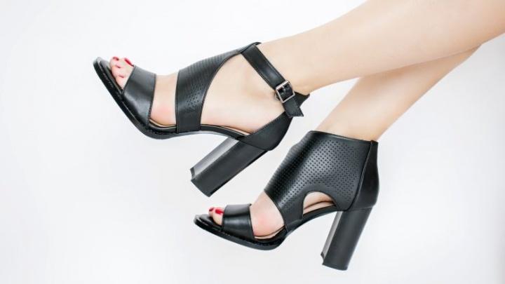 Наконец-то можно примерить кроссовки и босоножки: обувная сеть начала работать в обычном режиме