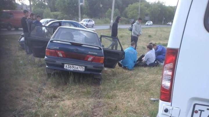 «Реанимация забрала двоих»: на выезде из Челябинска произошла крупная авария с участием силовика