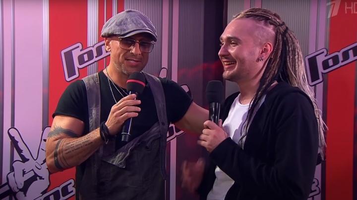 Каково это — быть в шоу «Голос»: в прямом эфире на 29.RU расскажет Максим Коковин из Коряжмы