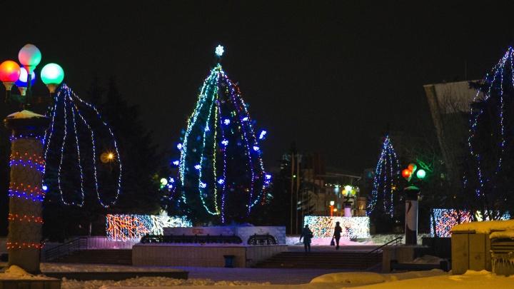 Новый год будет: окружные елки в Омске решили не отменять