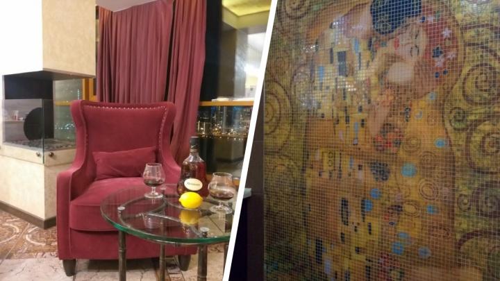 У «Ауры» продают пентхаус с панно Густава Климта в ванной — заглядываем в интерьеры огромной квартиры