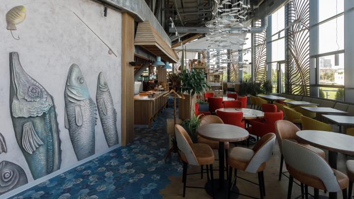 «Корабль набирает гостей»: в «шайбе» речвокзала Волгограда открыли новый ресторан